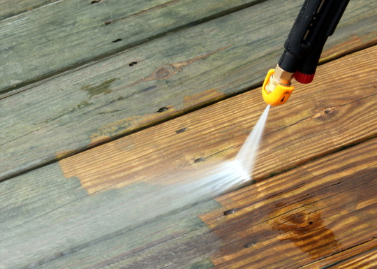 Pressure Washing Drives, patios, decking in southport - Call now 07967942594